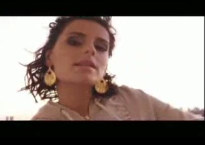 Nelly Furtado feat. Timbaland & Justin Timberlake - Give It To Me